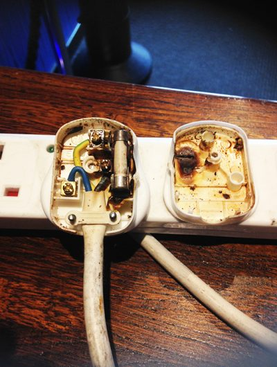 PAT Testing damaged plugs Hampshire